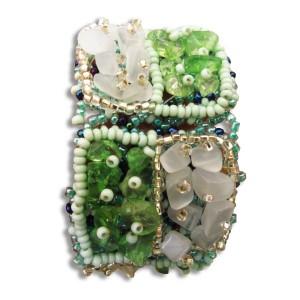 Bracelet en pierres de rocaille et perles carré Vert & blanc