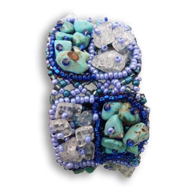 bracelet en pierres de rocaille et perles turquoise bleu blanc boutikweb. Black Bedroom Furniture Sets. Home Design Ideas